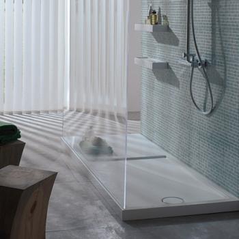 Piatto doccia 72x140 in ceramica con texture antiscivolo. Installazione da appoggio o filo pavimento. Portata di scarico 30 l-m