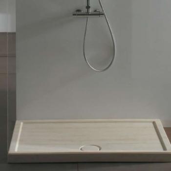 Piatto doccia 72x90. Installazione da appoggio o filo pavimento. Completo di piletta di scarico sifonata e ispezionabile ø 90. Con portata di scarico 30 l-m Finitura travertino.